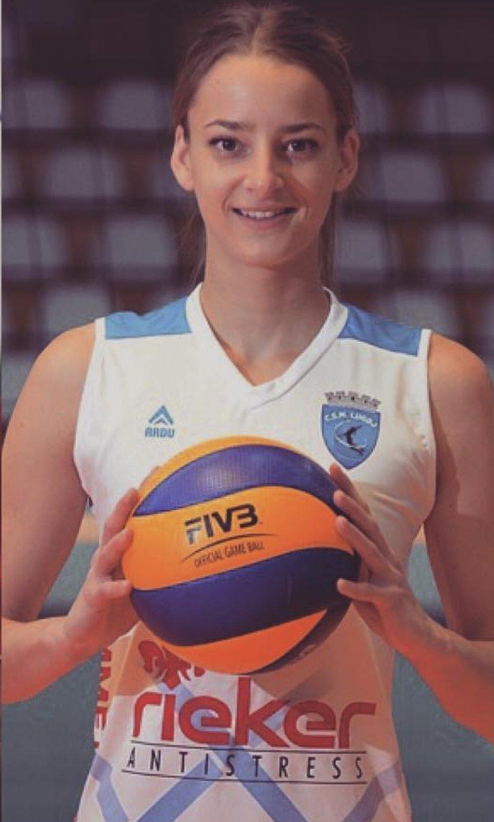 Nina Jakić